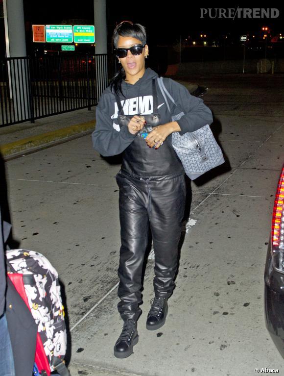 Rihanna, une salopette qui ne nous emballe pas.