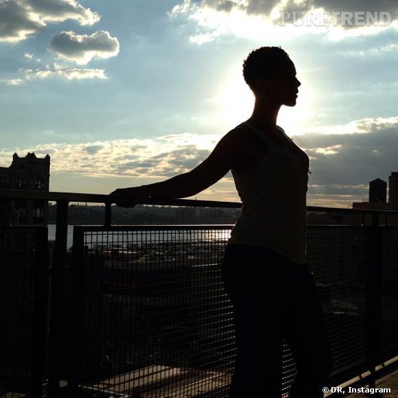 Souvent photographiée par son mari, Alicia Keys joue les naïades.