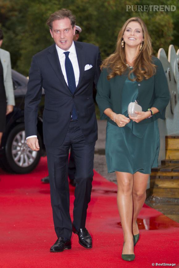 La Princesse Madeleine fait sensation dans son total look émeraude.