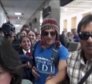 Zac Efron et ses fans au Pérou.