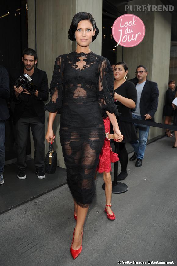 Bianca Balti au défilé Dolce & Gabbana à Milan.