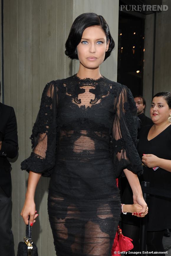 da8352563578c0 Bianca Balti sublime en Dolce   Gabbana bien entendu - Puretrend