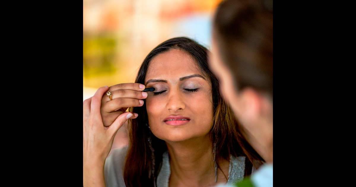 Comment r ussir son maquillage des yeux lorsqu 39 on ne voit for Miroir yves rocher