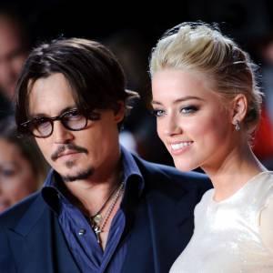 """Johnny Depp et Amber Heard se sont rencontrés en 2011 sur le tournage de """"Rhum Express""""."""