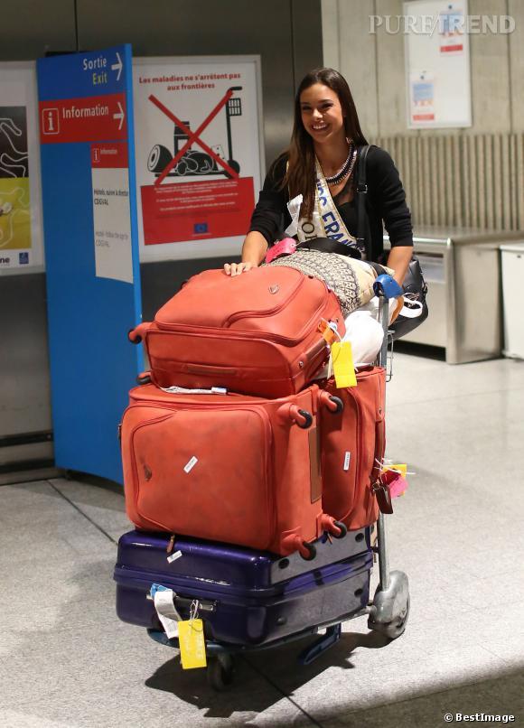 Même 1ère Dauphine, Marine Lorpehlin doit porter ses bagages !