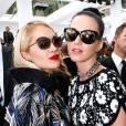 Rita Ora et Katy Perry au défilé Chanel Printemps-Été 2014.