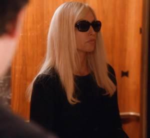 House of Versace, les premieres images du film avec Gina Gershon