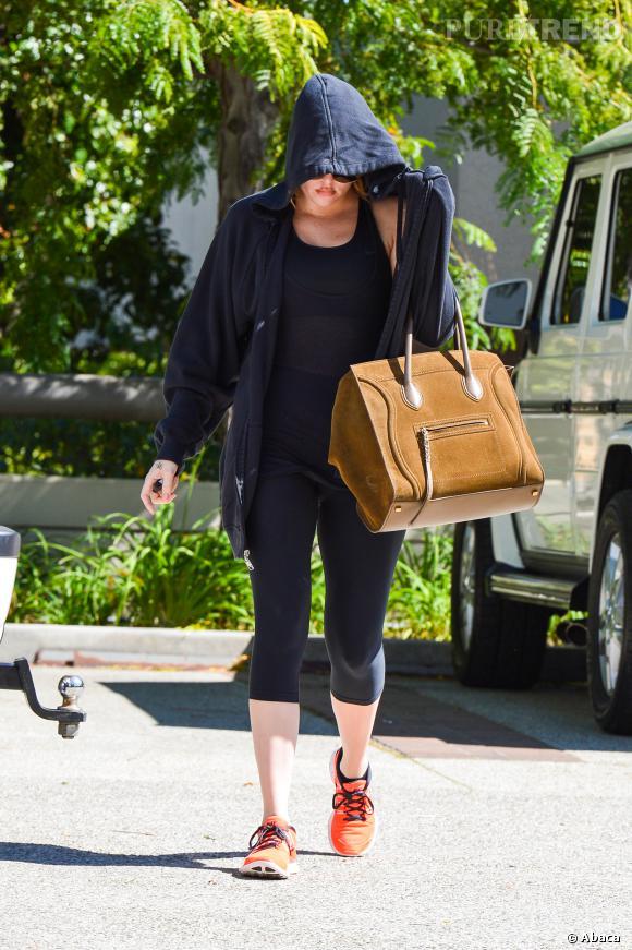 Khloé Kardashian dans les rues de Los Angeles.