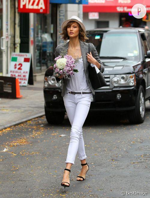 Karlie Kloss dans les rues de New York.