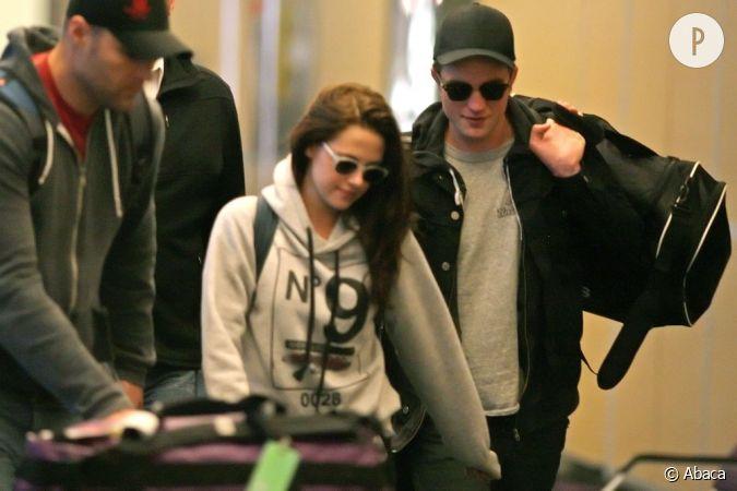 """Kristen Stewart Says Her Split From Robert Pattinson Was """"Incredibly ..."""