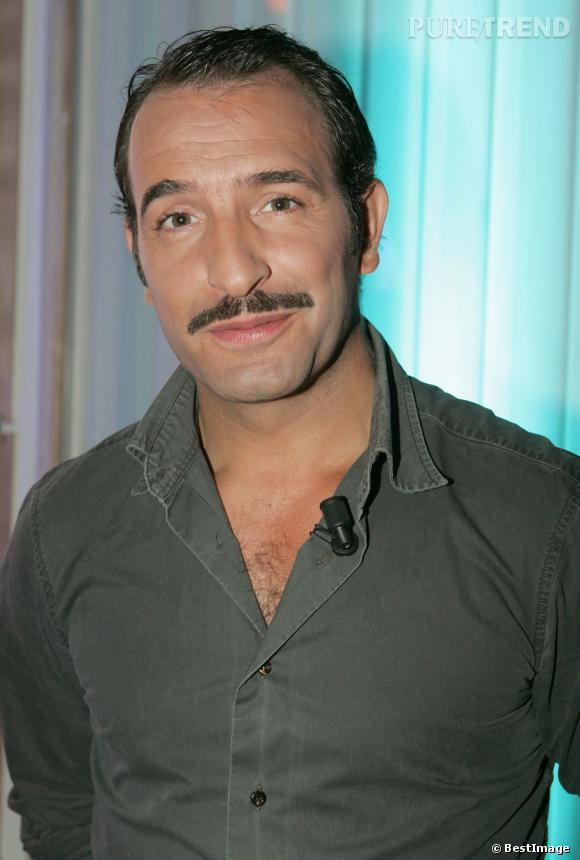 Jean Dujardin tente la moustache en 2005.