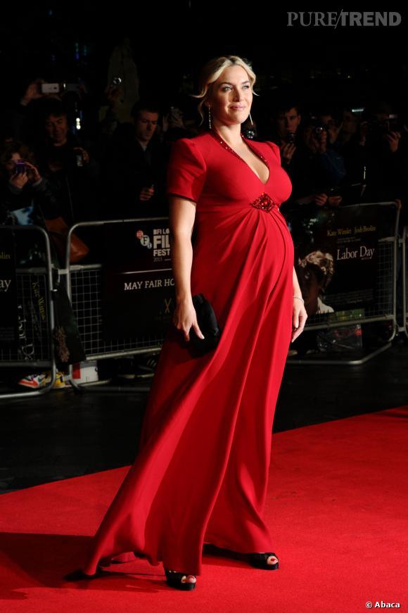 Kate Winslet, somptueuse dans sa robe Jenny Packham à Londres.