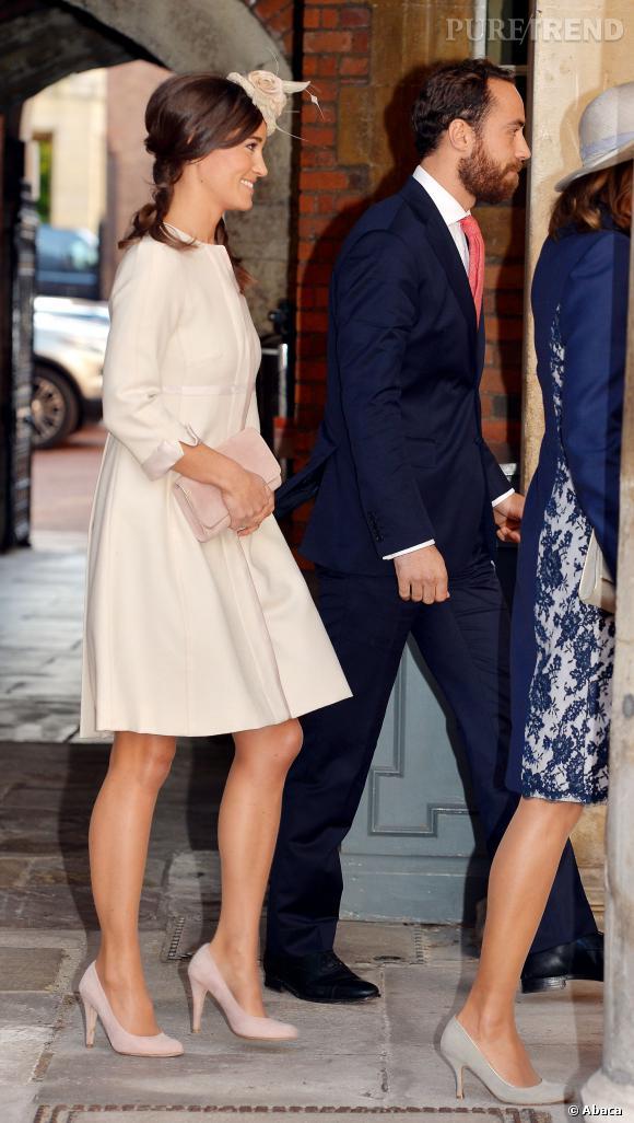 Pippa Middleton avait choisi une tenue ample, pour ne pas mettre en avant son derrière si célebre ?