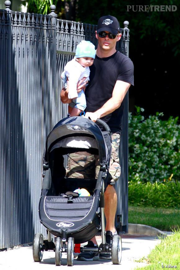 James Marsden a eu deux enfants avec son ex-femme Lisa Linde : Jack Holden et Mary James. Il a aussi eu un enfant avec son ex-petite amie Rose Costa, le petit William Luca Costa-Marsden.