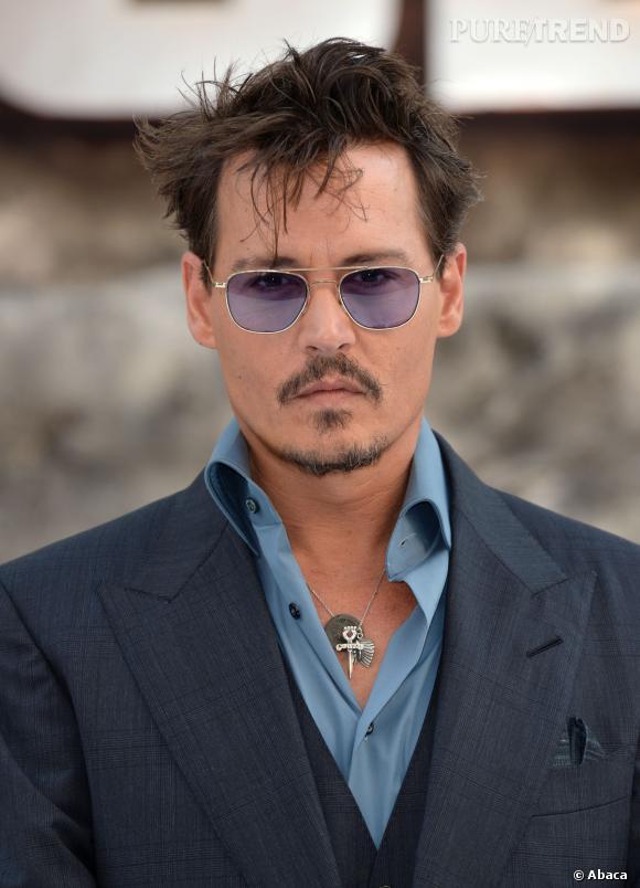 """Johnny Depp a eu deux enfants avec Vanessa Paradis : Lily-Rose Melody et John """"Jack"""" Christopher. Et à 50 ans, l'acteur est toujours aussi sexy !"""