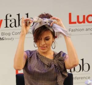 Eva Mendes, bloggeuse beaute : comment se coiffer avec un foulard ?
