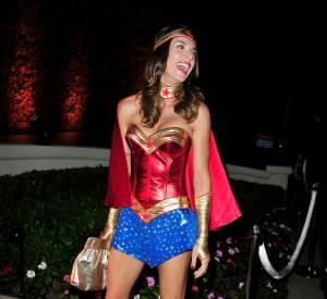 Elisabetta Canalis en Wonderwoman.