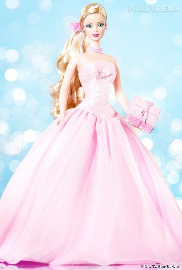 Barbie dans toute sa splendeur avec ses jambes interminables, son mini buste et son encore plus mini tête.