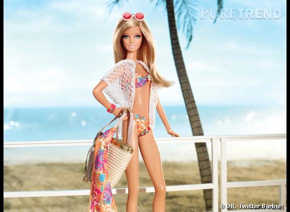 Barbie à la plage, c'est jamais sans son maquillage de cagole...