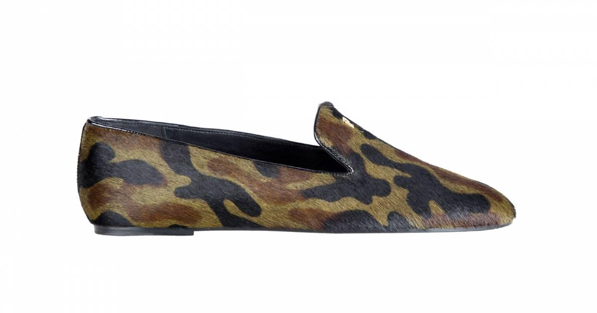 le must have d 39 aur lie slippers ch carolina herrera. Black Bedroom Furniture Sets. Home Design Ideas