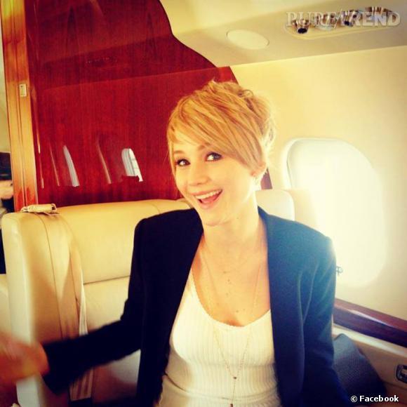Jennifer Lawrence passe à la coupe garçonne.