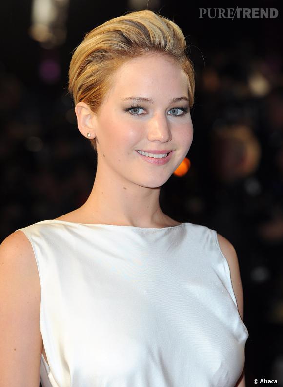 Jennifer Lawrence et sa nouvelle coupe courte à l'avant-première de Hunger Games L'Embrasement à Londres, le 11 novembre 2013.
