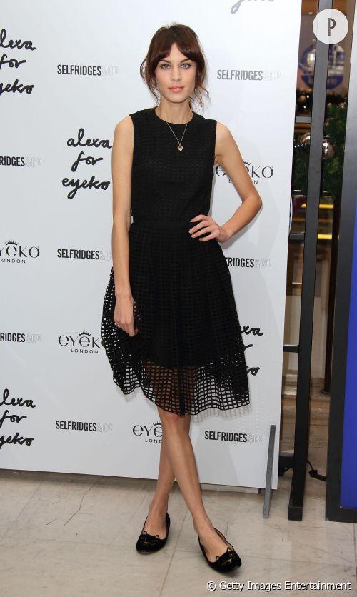 Alexa Chung à la soirée de lancement de sa collection pour Eyeko chez Selfridges à Londres.