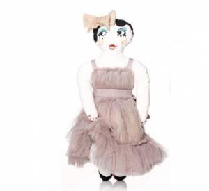 Les poupées d'Alber Elbaz pour Lanvin son cousues à la mains et habillées Lanvin Petite.