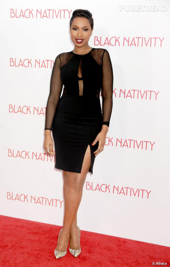 Jennifer Hudson, canon dans sa robe noire moulante et transparente.