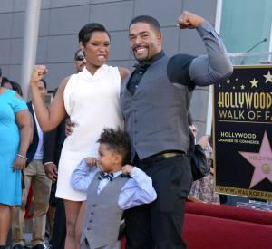 """Jennifer Hudson avec son compagnon, David Otunga et leur fils, David Daniel, à la réception de son étoile sur le """"Walk of Fame""""."""