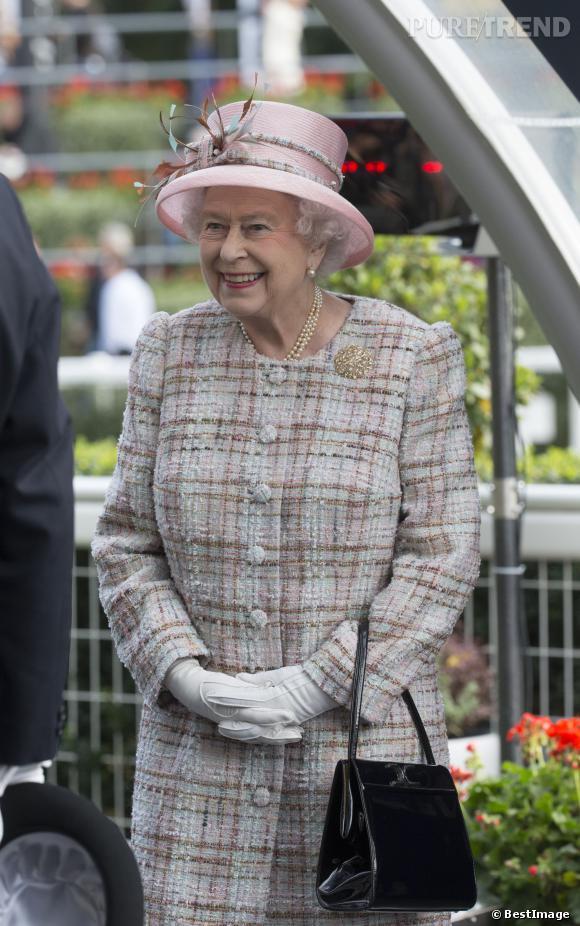La reine d'Angleterre ne s'autorise qu'un seul vernis depuis 1989.