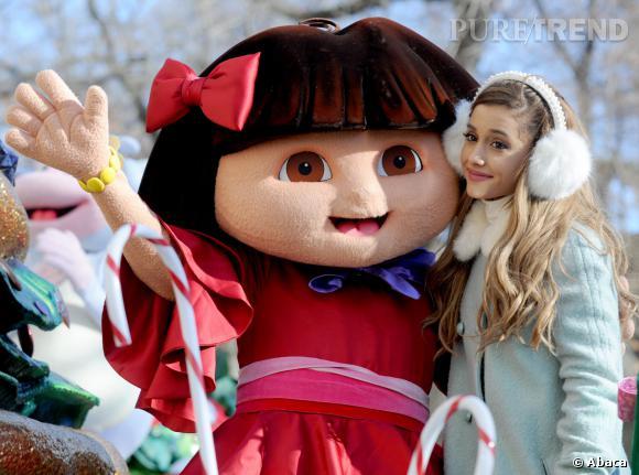 Ariana Grande a choisi le chat de Dora l'Exploratrice pour participer à la parade de Thanksgiving Macy's, à New York.