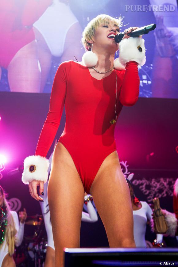 Miley Cyrus pourrait devenir le nouveau Grinch de Noël. Mais ce n'est pas par sa mauvaise humeur qu'elle gâche Noël, mais par ses twerks suggestifs.