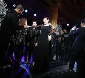 Brahim Zaibat et Valérie Trierweiler dansent ensemble au Noël de l'Elysée.