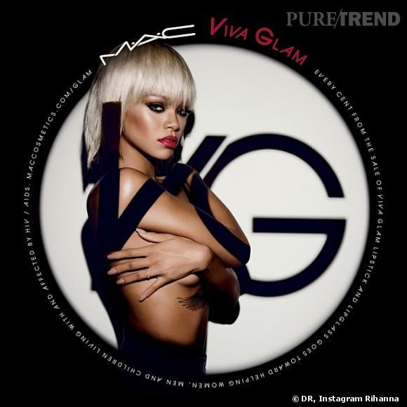 Rihanna pose topless et sexy pour la collection Viva Glam de MAC Cosmetics.
