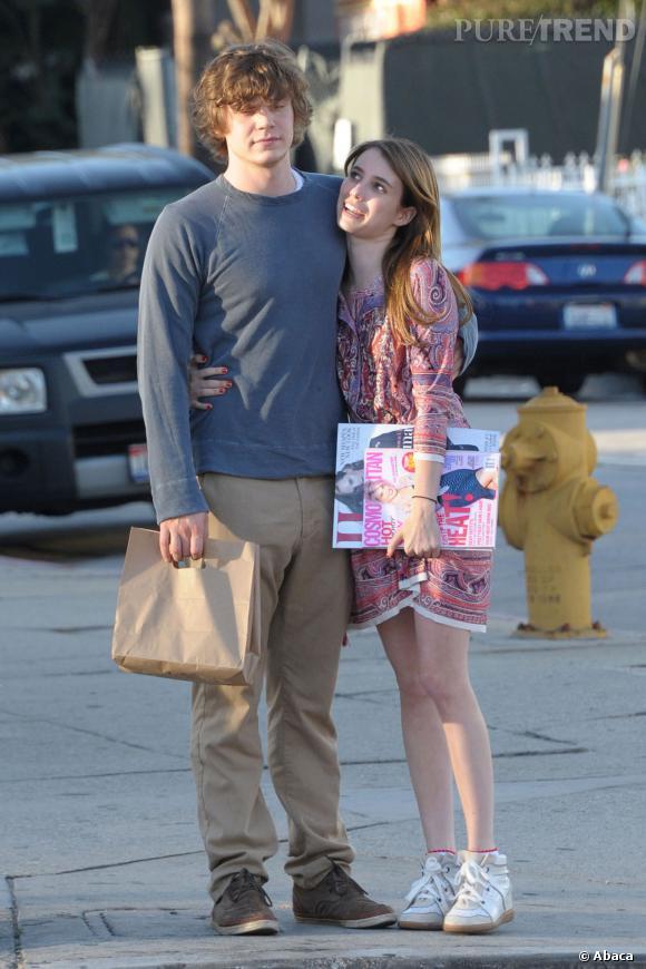 Evan Peters et Emma Roberts seraient fiancés.