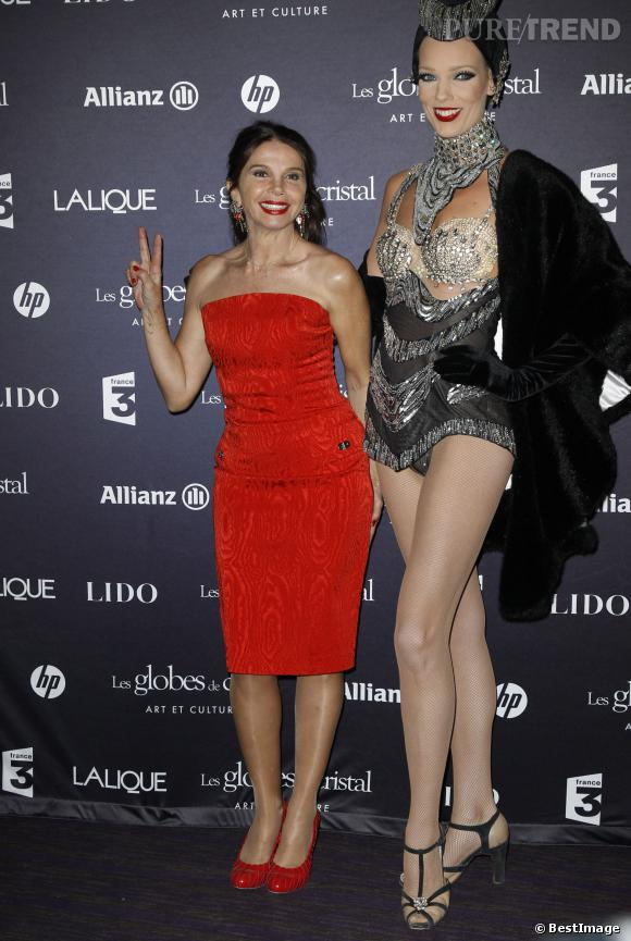 victoria abril divine en rouge pour la remise des globes awards au lido en 2012 puretrend. Black Bedroom Furniture Sets. Home Design Ideas