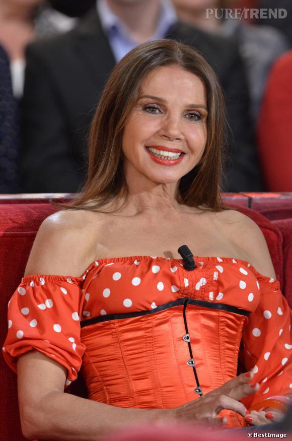 Victoria Abril, sexy avec sa robe style flamenca, sur le