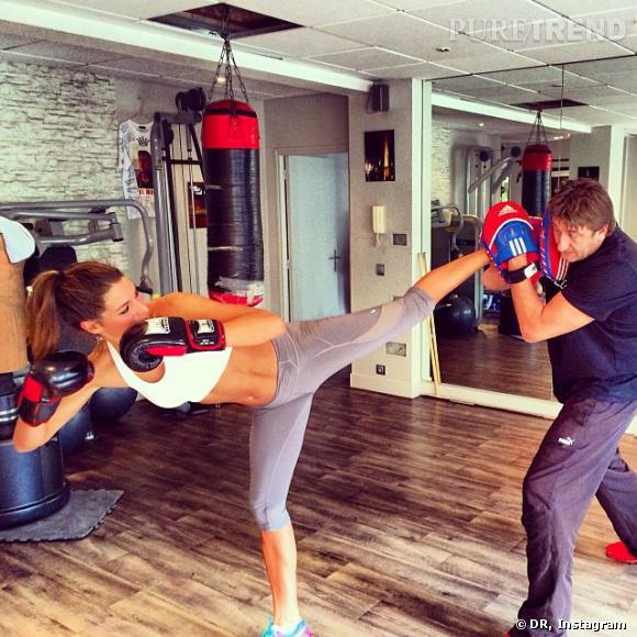 Laury Thilleman partage avec ses fans son entraînement de boxe, pour une silhouette de rêve !