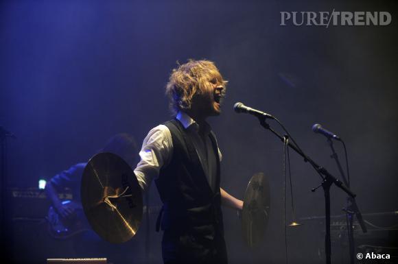 Julien Doré se donne à fond sur scène, c'est ça qu'on aime.