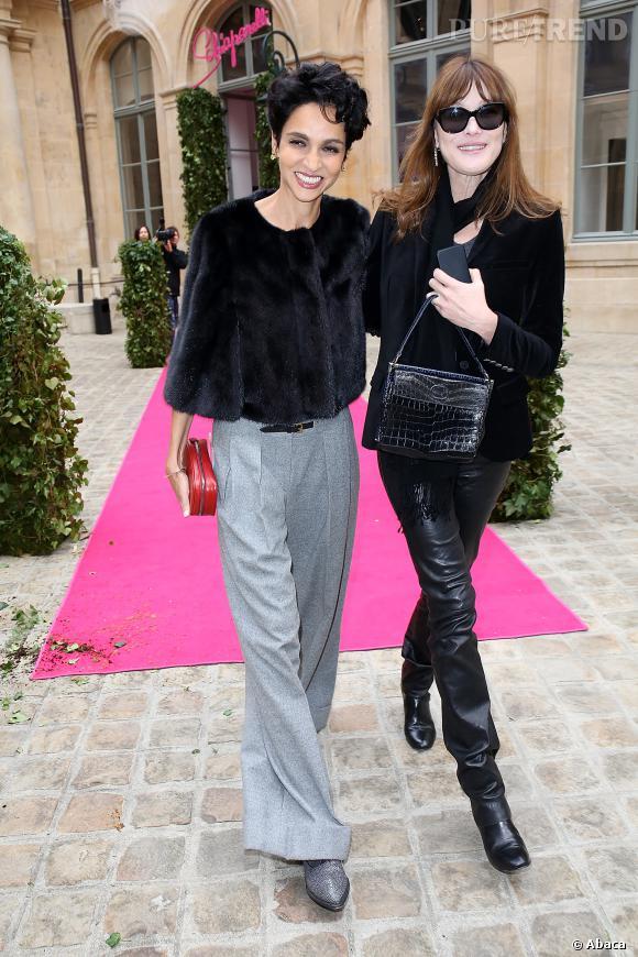 Farida Khelfa et Carla Bruni chez Schiaparelli à Paris.