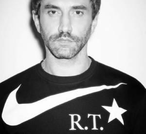 Pour le printemps prochain, Riccardo Tisci relooke la Air Force 1 de Nike.