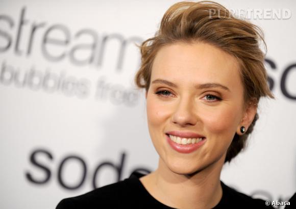 Scarlett Johansson, critiquée par l'Oxfam a décidé de ne plus collaborer avec l'ONG.