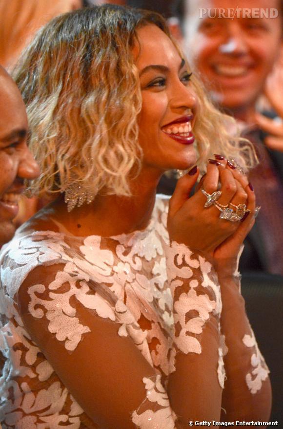 Beyoncé, pluie de bijoux aux Grammy 2014.