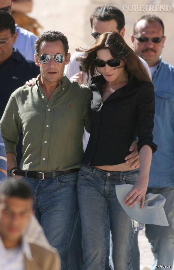 Carla Bruni et Nicolas Sarkozy, couple glamour et casual en Egypte en 2007.