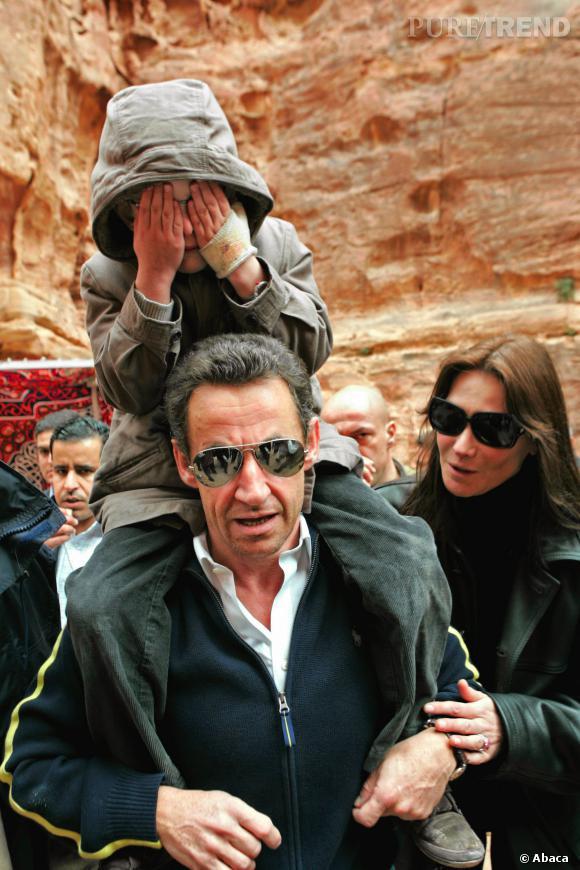 Carla Bruni et Nicolas Sarkozy, protège déjà le fils de sa compagne, en 2008.