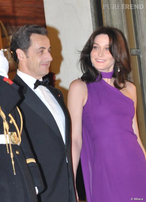 Carla Bruni lumineuse auprès de Nicolas Sarkozy pour recevoir le Président Israëlien en 2008.