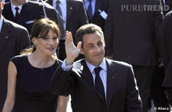 Carla Bruni et Nicolas Sarkozy toujours proches et complices en visite en Tunisie en 2008.