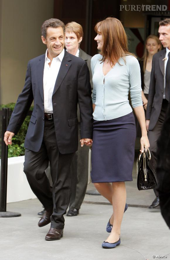 "Carla Bruni n'a d'yeux que pour son ""Raymond"" alias Nicolas Sarkozy, à New York en 2008."