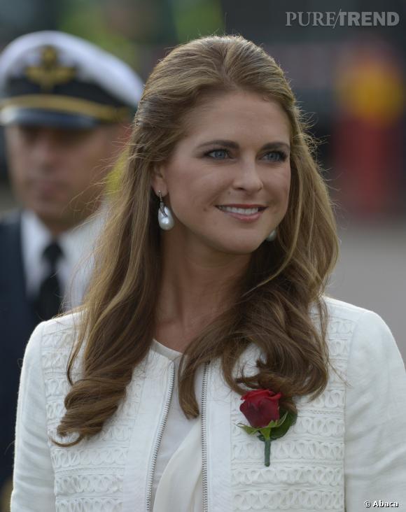 Princesse Madeleine de Suède a annoncé la naissdance de sa fille le 20 février 2014 via un communiqué officiel.